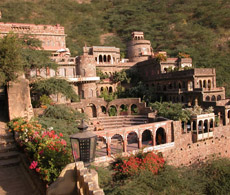 Neemrana Fort, North India Tour Package